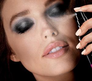 Maybelline Master Fix by Face Studio Setting Spray, Wear-Boosting, Translucent - 3.4 fl oz