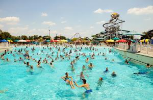 Carowinds Boomerang Bay (Charlotte, NC) - $35 OFF Daily Ticket