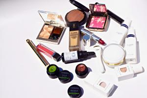 B-Glowing: 20% OFF Customer Picks + Free Gift Set ($84 value)